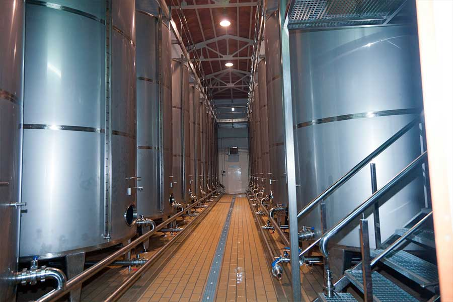 depositos de aceite de oliva virgen extra de la almazara de pago de la jaraba