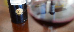 """Botella de vino tinto Pago de La Jaraba con etiqueta """"La Mancha Excellent"""""""